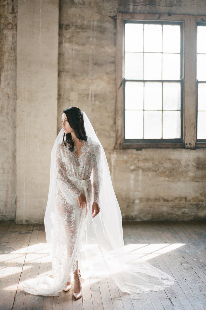 SWAN QUEEN LACE ROBE - BRIDAL LONG DRESSING GOWN IN IVORY