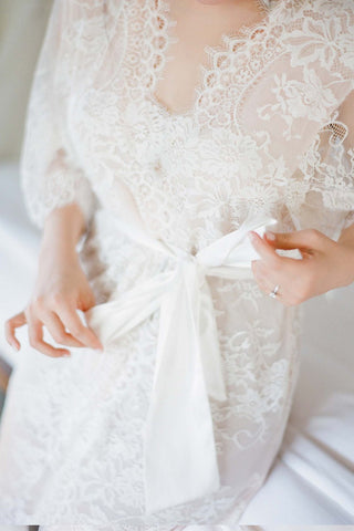 Elizabeth Lined Lace Robe in Ivory - style 122