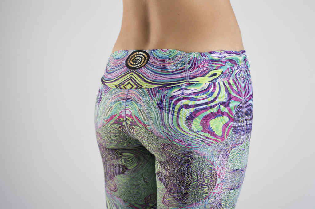 Low back detail of Fractal Acid Yoga Leggings from Kaa Yoga