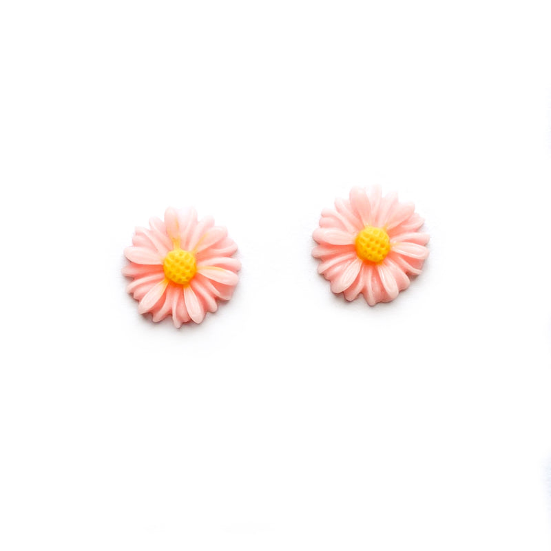 Peach Pink Daisy - 12mm Shaped Studs