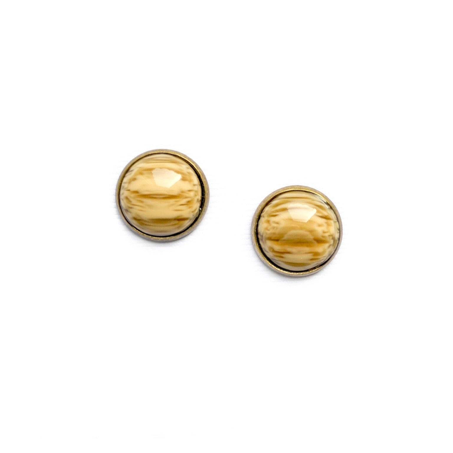 Wood in Brass - 12mm Dome Studs