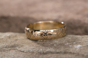 14K Claddagh Wedding Band