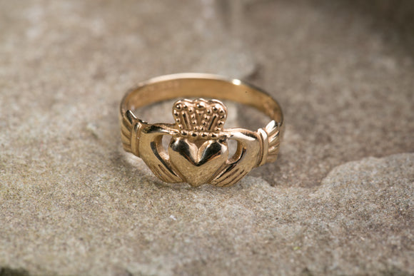 Ladies Claddagh Ring 10k Gold
