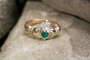 Ladies Claddagh Ring 14k Gold with Green Agate and Diamonds