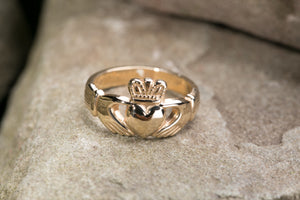 Ladies Claddagh Ring 14k Gold Heavyweight