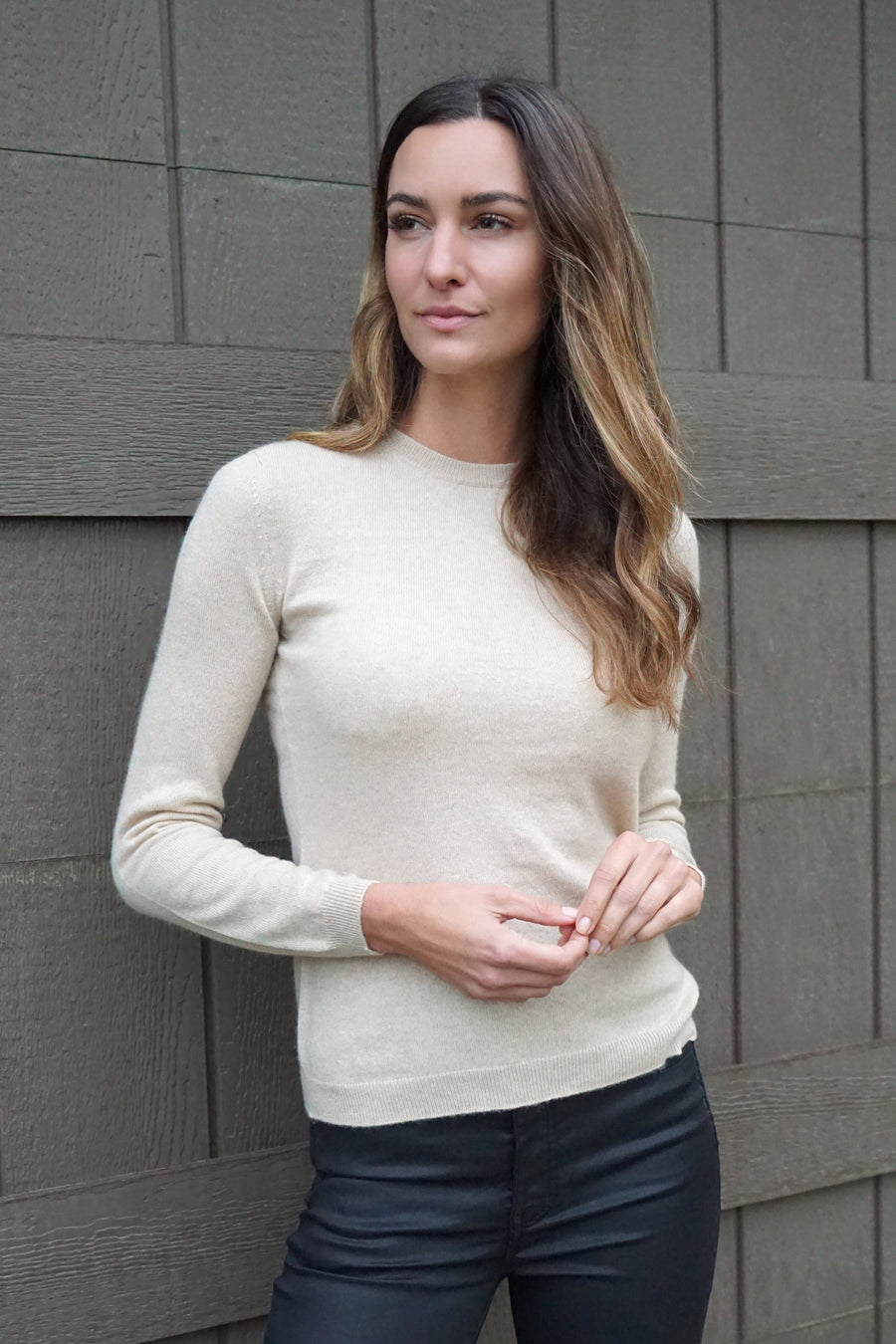 100% cashmere women classic crewneck sweater in tan sale