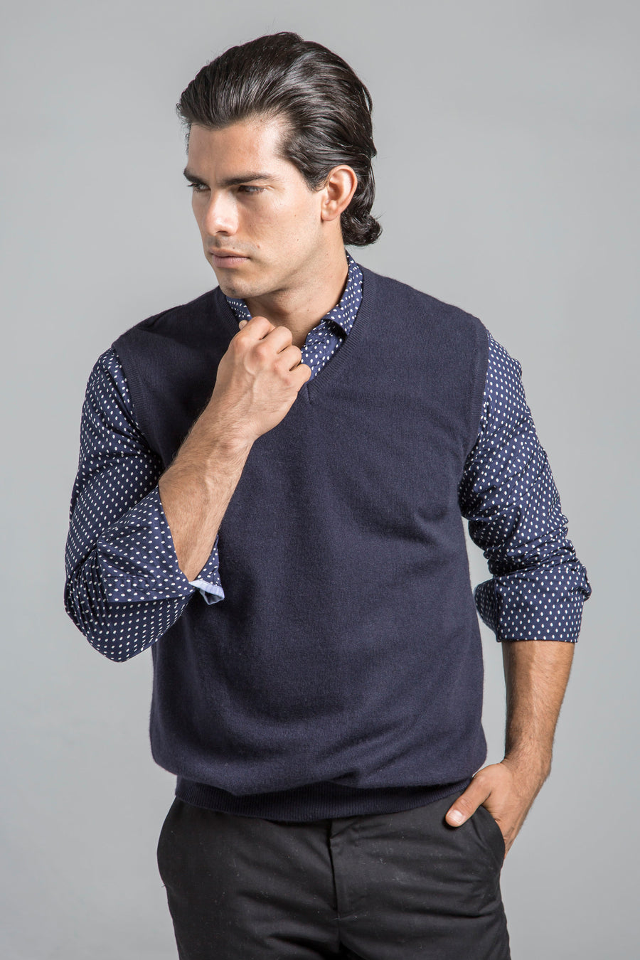 pine cashmere men's classic 100% pure cashmere v-neck sweater vest in navy