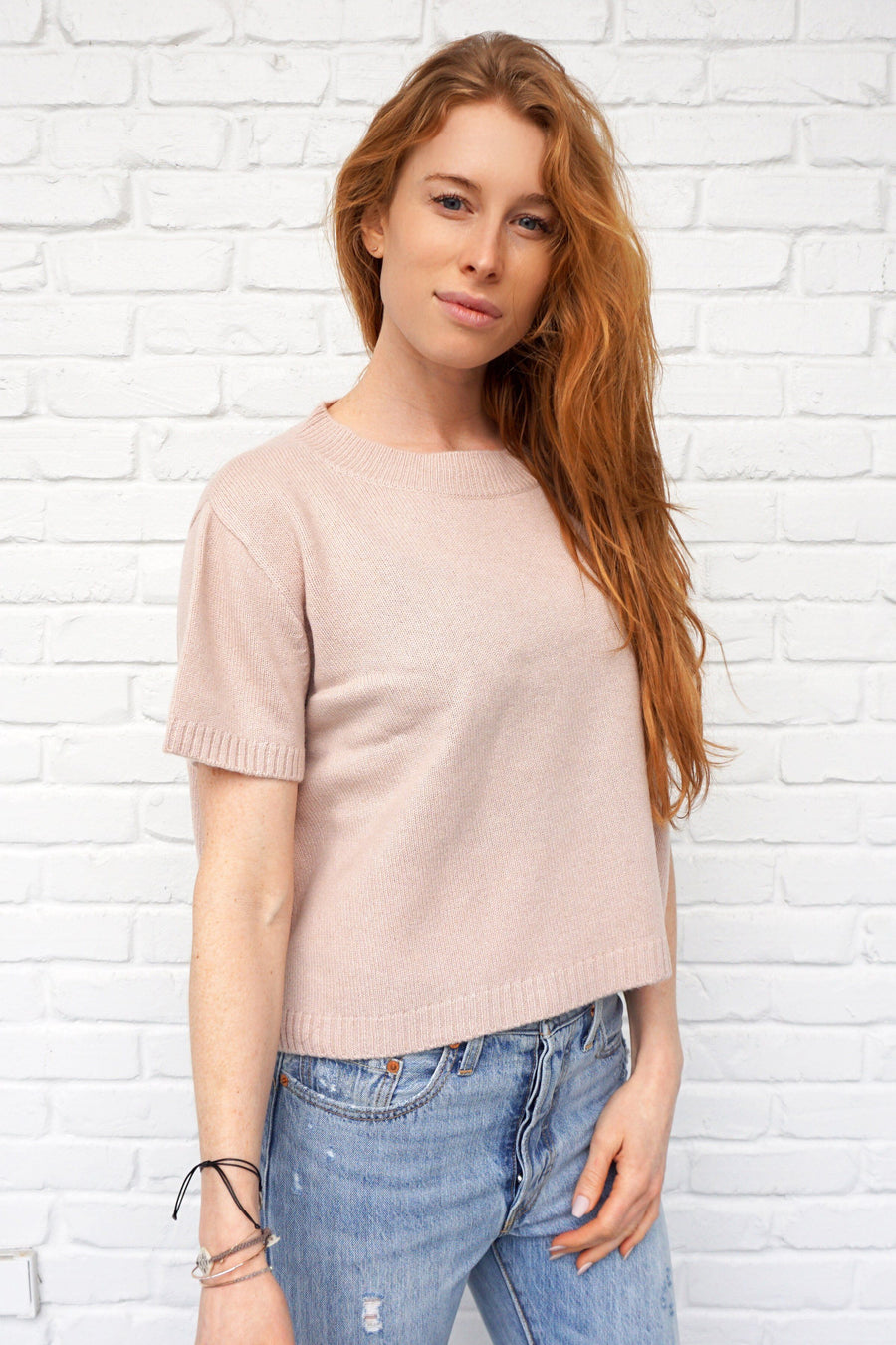 pine cashmere women's crewneck  lightweight 100% pure cashmere cropped top in dusty pink