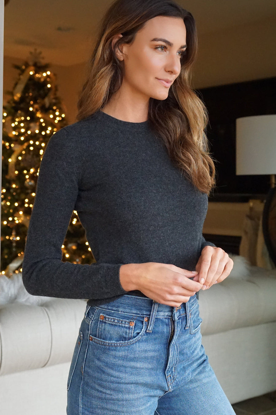 100% cashmere women's classic crewneck sweater in dark grey