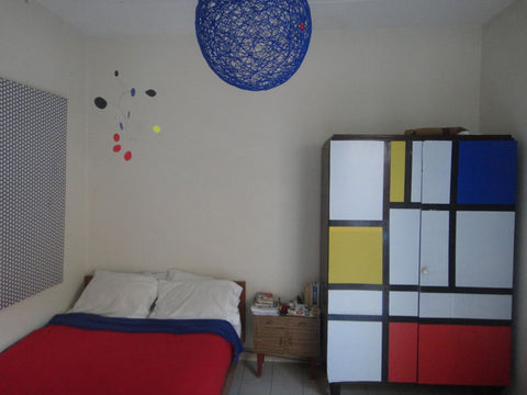 Atomic Mobile hanging in modern room in Argentina