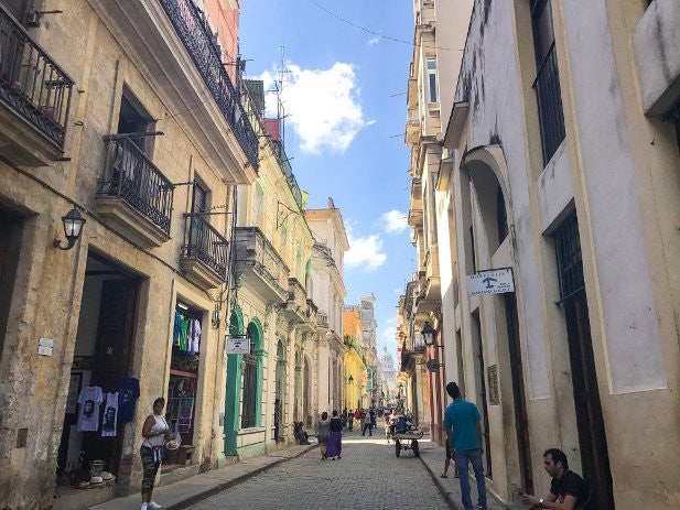 Destination Editor, #The_Traveling_B's is just back from #Cuba