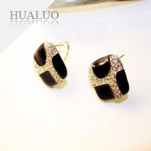 Earrings Glaze With Small Imitation Diamonds Drop Earrings (Black)  E13