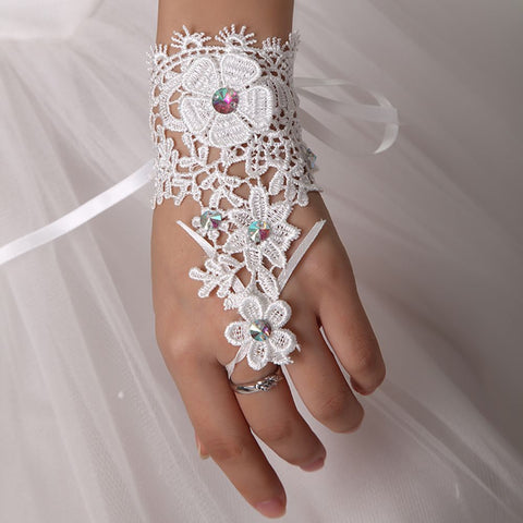 1 pair Popular Sale Fingerless Gloves Rhinestone White Lace Short Gloves Woman Accessories gants mariage femme