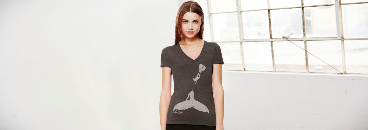Humpback whale V-Neck diving T-shirt