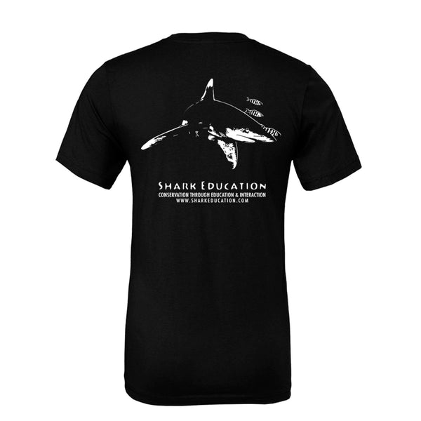 t-shirt noir shark education