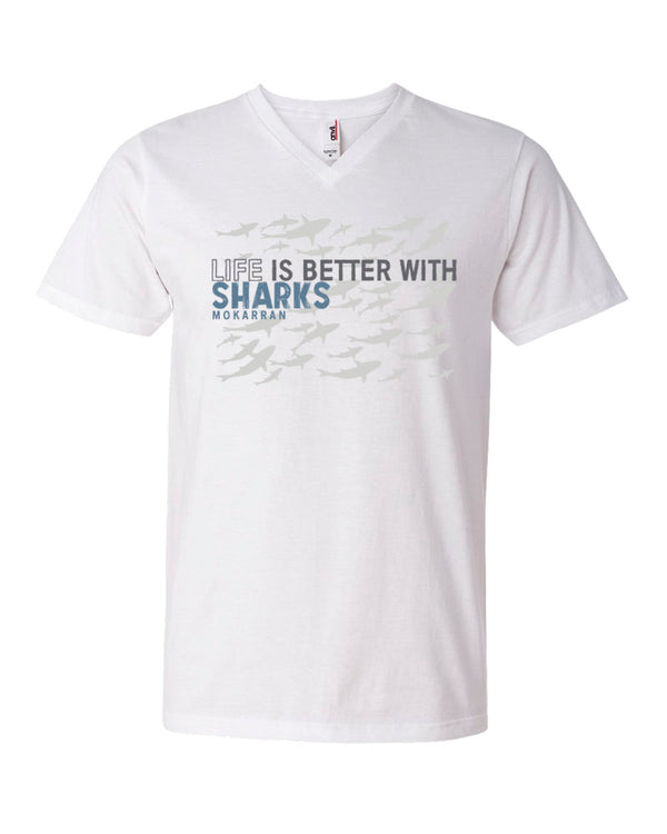 Tee shirt plongée col v homme life is better with sharks blanc
