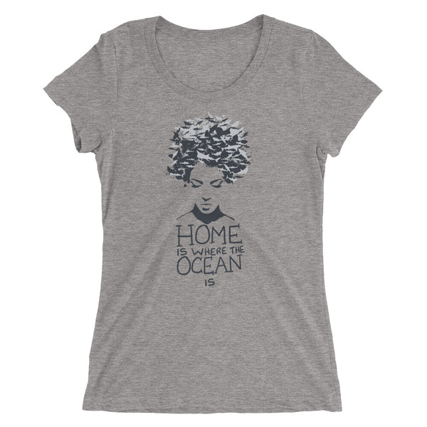 Tee shirt décolleté Home is where the Ocean is