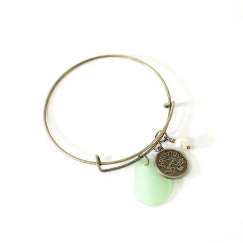 Bracelet - Bronze Aquarius Bracelet - Green Sea Glass, Swarovski Pearl And Antique Brass - Simple Zodiac Accessory - One Size Fits All - Zodiacharm - Clay Space