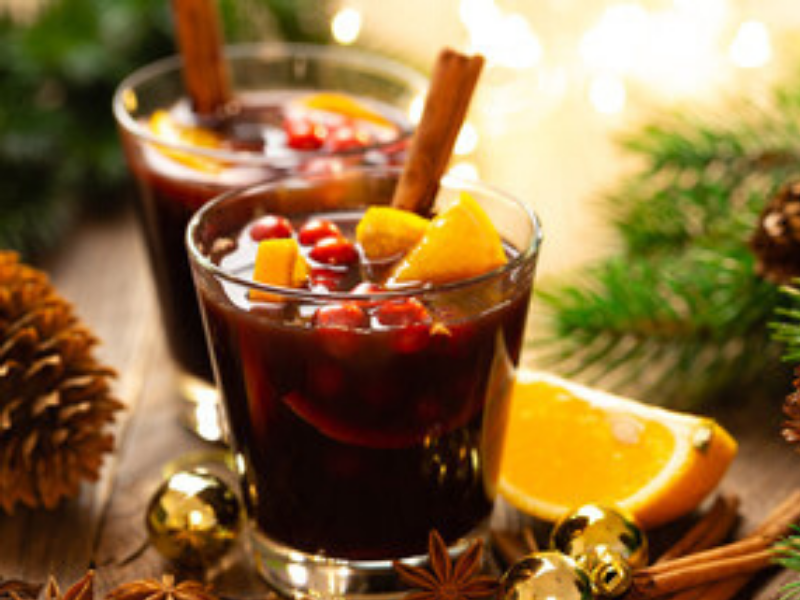 Get the Party Warmer with a Cozy Slow-Cooker Mulled Wine⁣