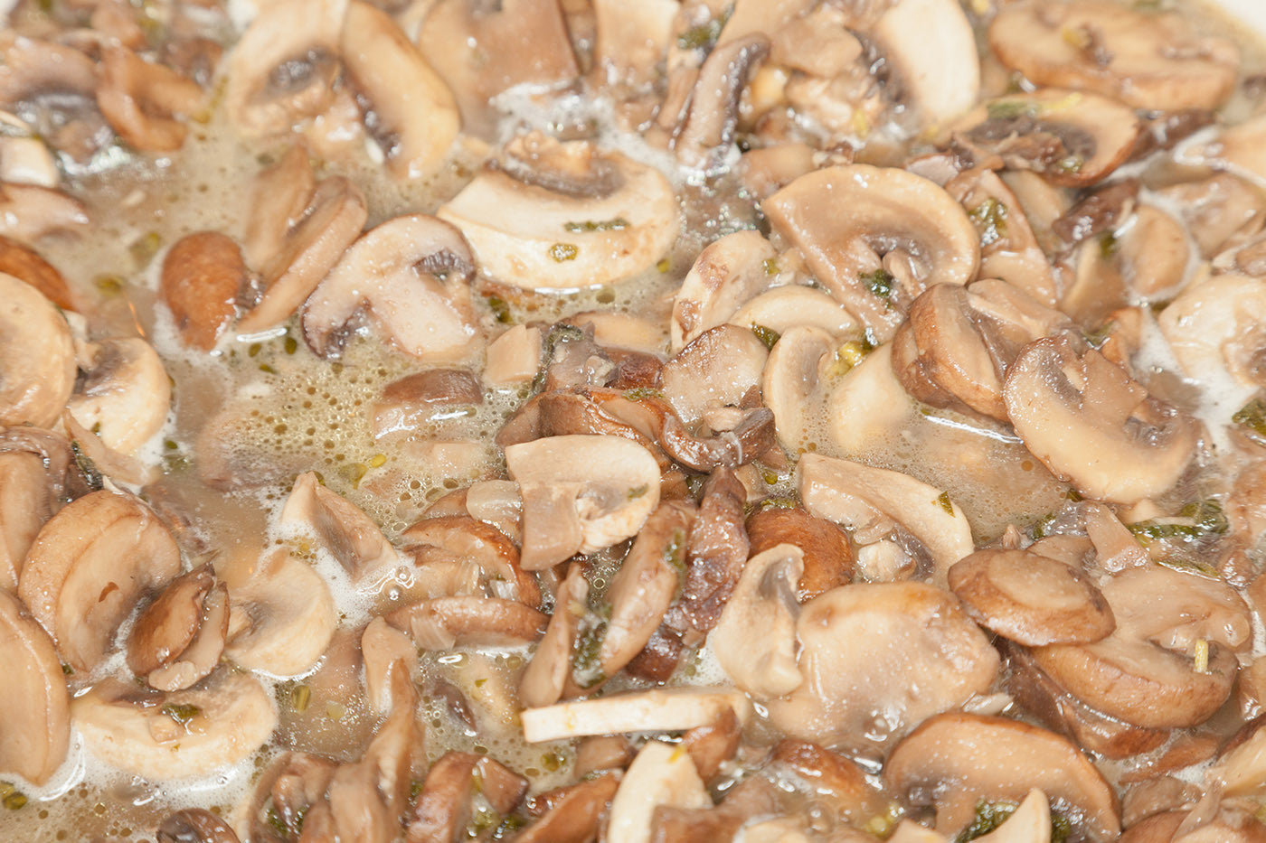 Make Your Own Nutrient Dense Mushroom Broth with VitaClay!