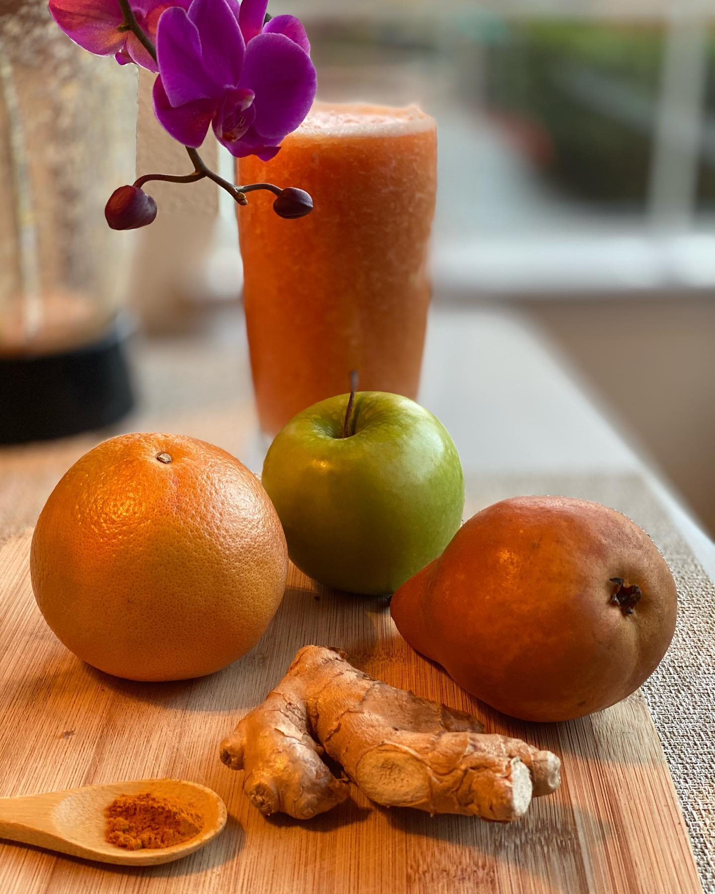 Winter Warm Smoothie or Ginger Tea for Your Daily Antioxidant Boost