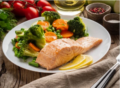 30-MINUTE SALMON & BROCCOLI WITH LEMON HERB SAUCE