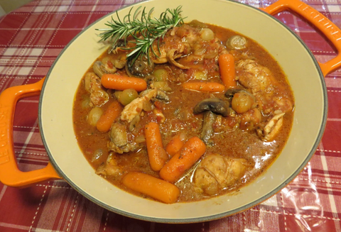 CHICKEN WITH MUSHROOMS, CARROTS, AND THYME