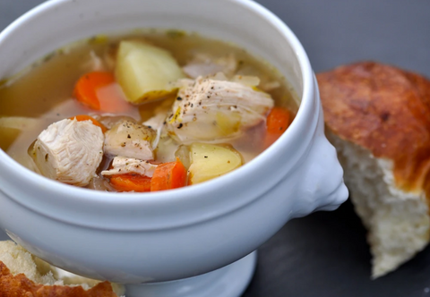 SLOW COOKER CHICKEN SOUP WITH RICE & VEGGIES
