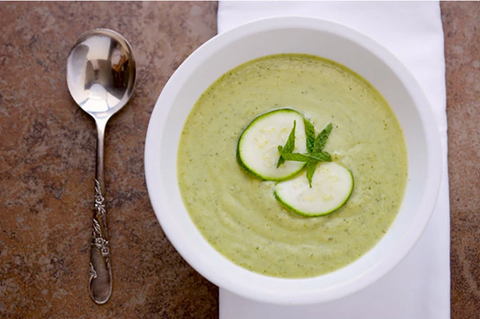 VITACLAY SLOW COOKER PEA, ZUCCHINI, AND MINT SOUP