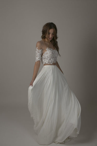 Off the shoulders wedding dress 'Bronte' by Sarah Seven
