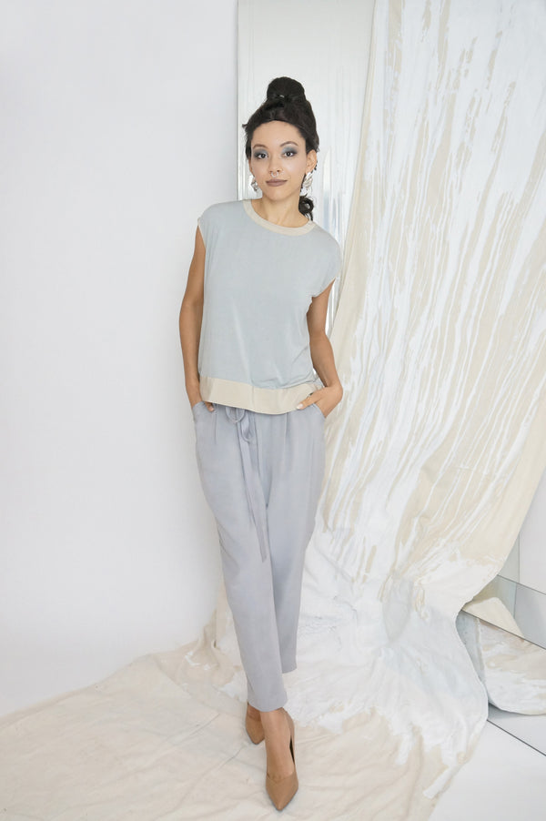 Lee Sleeveless Top in Grey Jersey