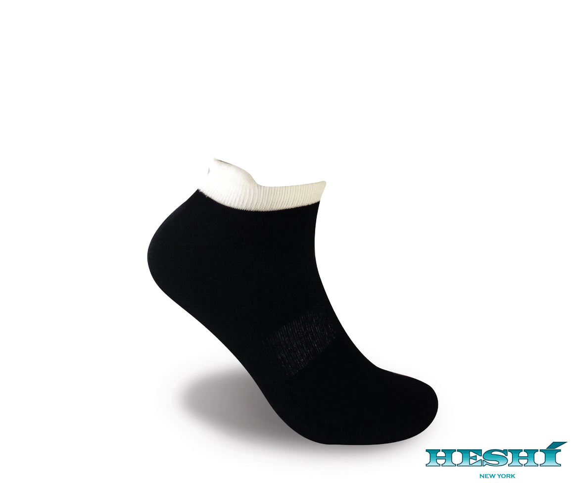 Heshí Ankle Sock - Black w White Trim