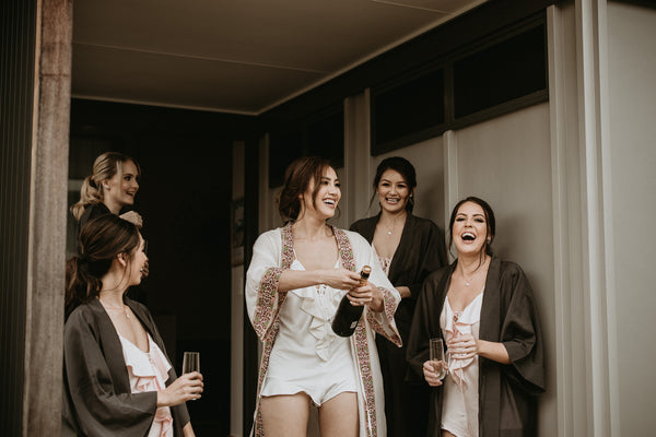 Robe Real Weddings: How to Find the Perfect Bridal Robes for Your Tribe