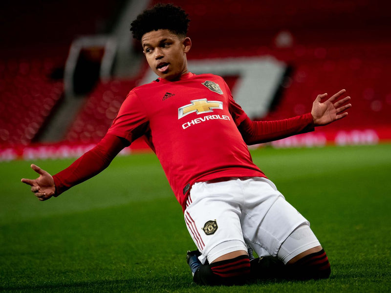 Meet Manchester United's 16 Year Old Nigerian Football Wonderkid Shola Shoretire