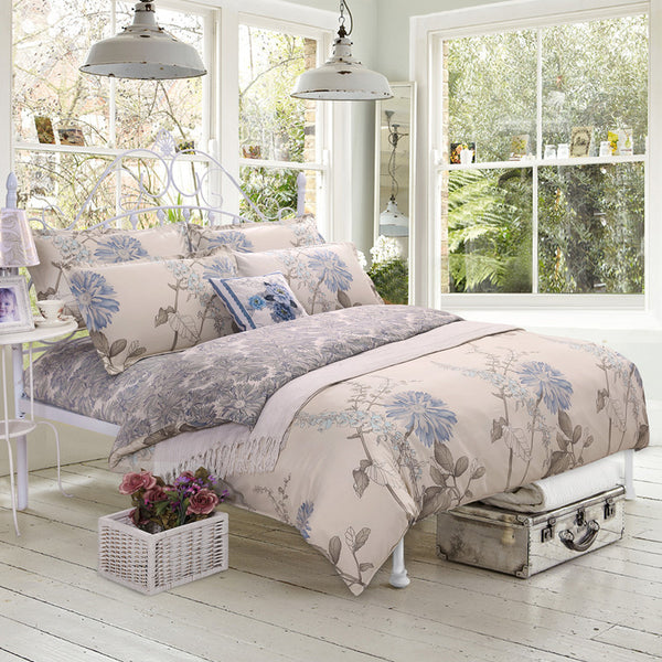 Bedding: Farmhouse-Traditional Floral