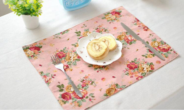 Place Mats: Cottage-Traditional Rose Garden