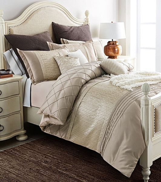 Bedding: City/Urban-Traditional Luxury Quilted Duvet