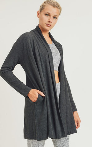 ELLE LAIN - CORE CARDIGAN - PEPPER