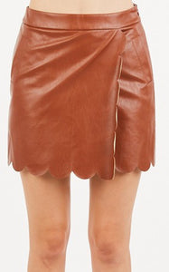SCALLOP LEATHER SKIRT - CARAMEL