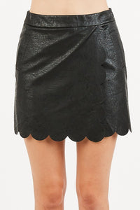 SCALLOP LEATHER SKIRT - BLACK