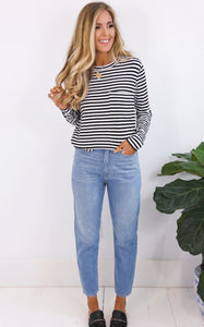STRIPE SPLIT SIDE TOP - BLACK AND WHITE