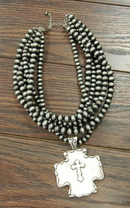 NAVAJO PEARL NECKLACE WITH CROSS