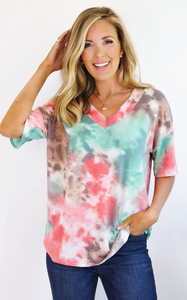 TIE DYED VNECK - CORAL/GREEN