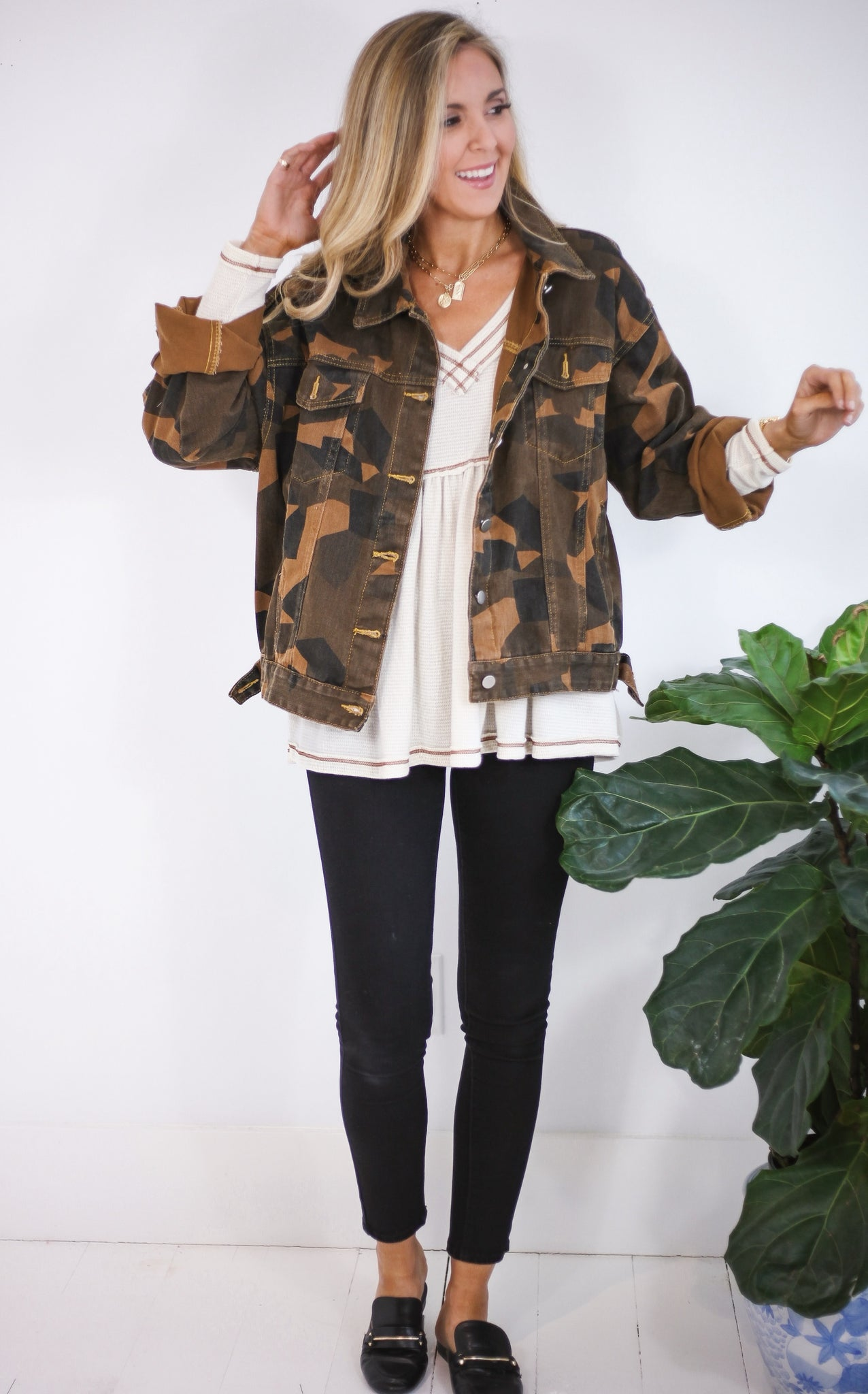 ELLE LAIN - CAMO DENIM JACKET