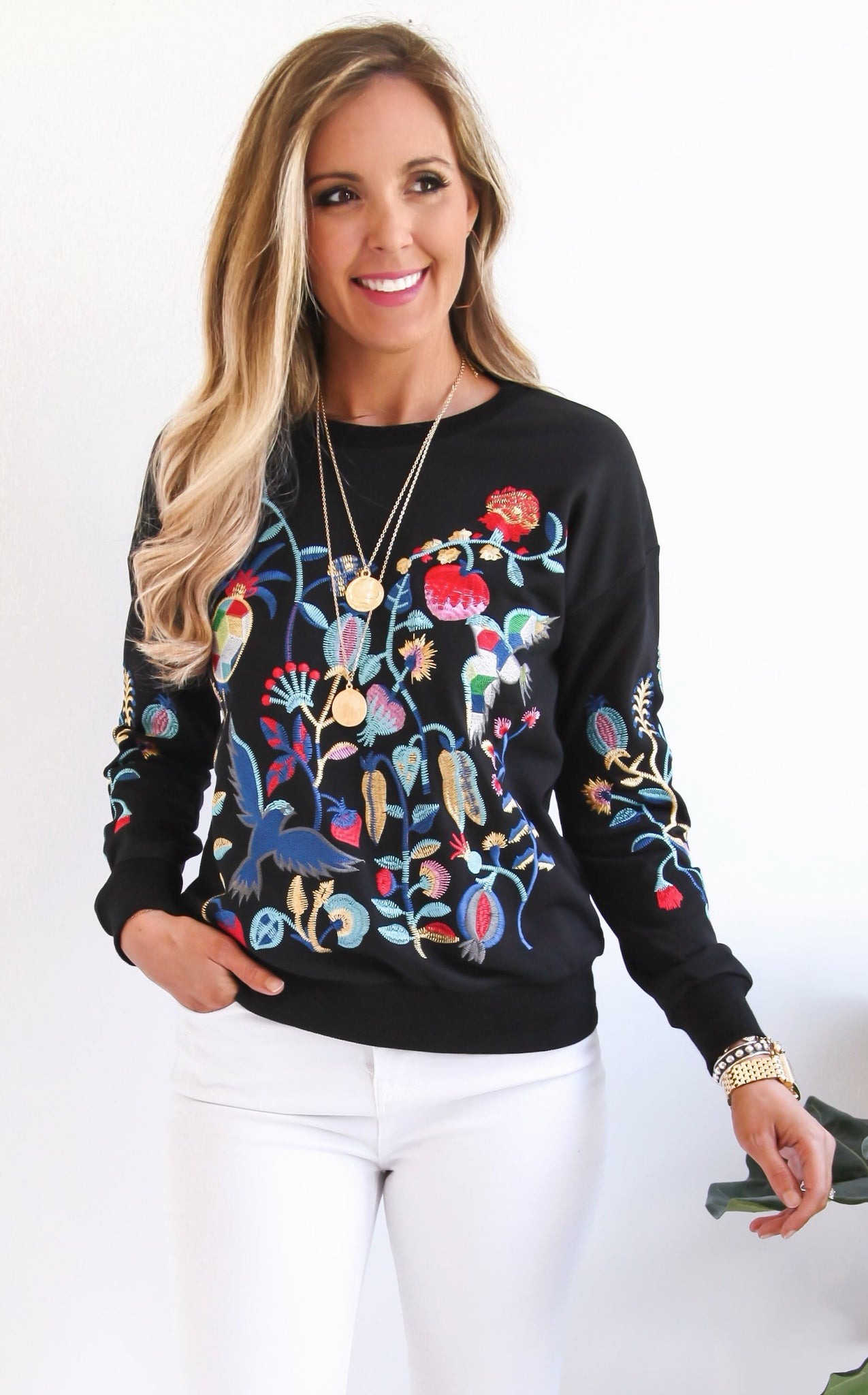 BETH EMBROIDERED SWEATSHIRT