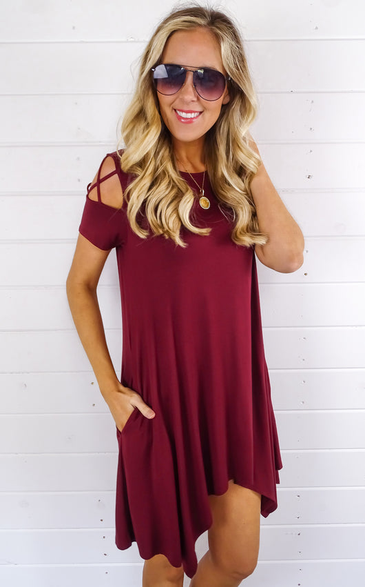 WEBBED SLEEVE SWING DRESS - WINE