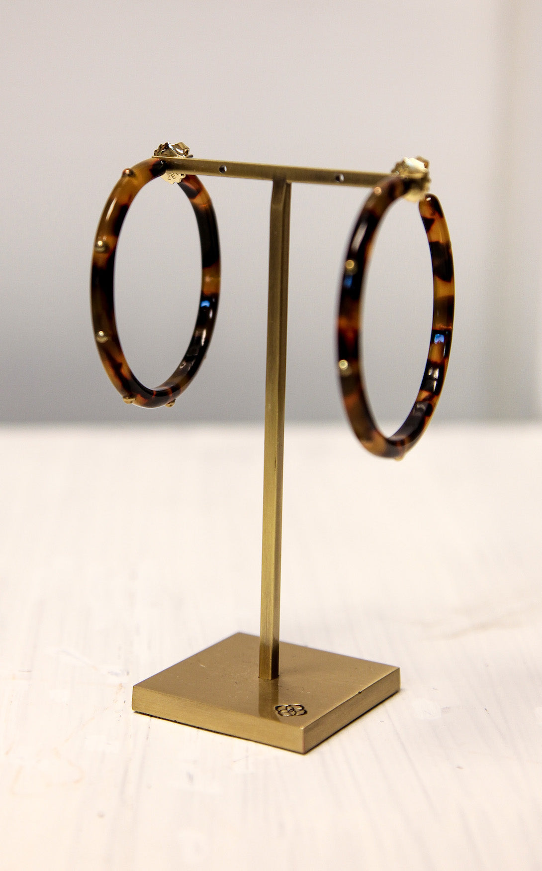 LOLA TORTOISE HOOP - BROWN