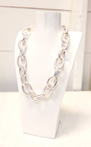 LINKIN CHAIN NECKLACE - SILVER