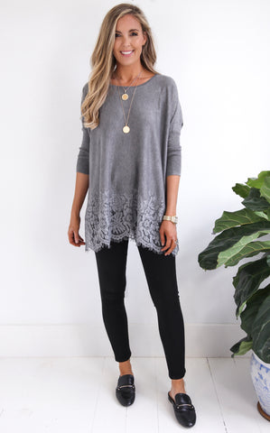 DOVE LACE TOP - GREY