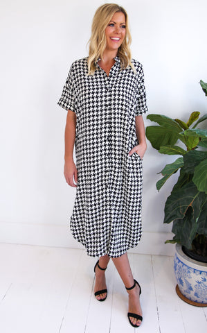 ELLE LAIN - ALL ABOUT HOUNDSTOOTH DRESS